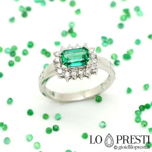 anello con smeraldo naturale zambia e diamanti anello con taglio smeraldo naturale ct.1