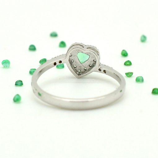 anelli cuore oro bianco con diamanti brillanti smeraldi