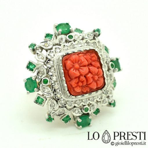 anello con corallo rosso anello con diamanti anello con smeraldi red coral ring with emerald diamonds