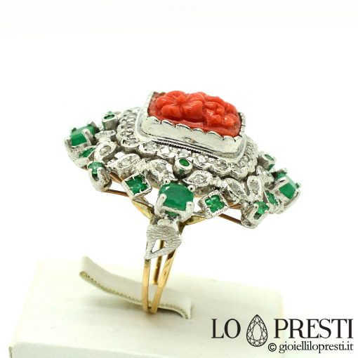 anello con diamanti smeraldi corallo anello stile antico coral emerald diamond ring Italian antique style ring
