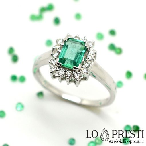 anello con smeraldo e diamanti brillanti oro gioielli anelli con smeraldo vero verde