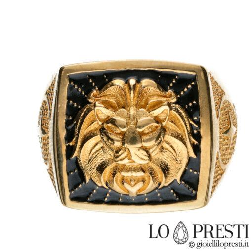 anello uomo smalto nero con leone a rilievo